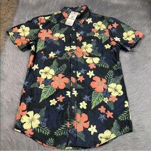 Vintage red men's short sleeve Hawaiian button up